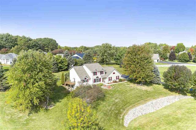 2829 St Pats Drive, Suamico, WI 54313 (#50229912) :: Dallaire Realty