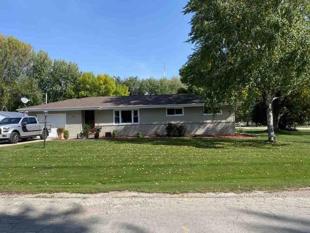 995 Home Avenue, Menasha, WI 54952 (#50229947) :: Dallaire Realty