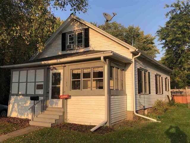 123 Maple Street, Ripon, WI 54971 (#50230048) :: Carolyn Stark Real Estate Team