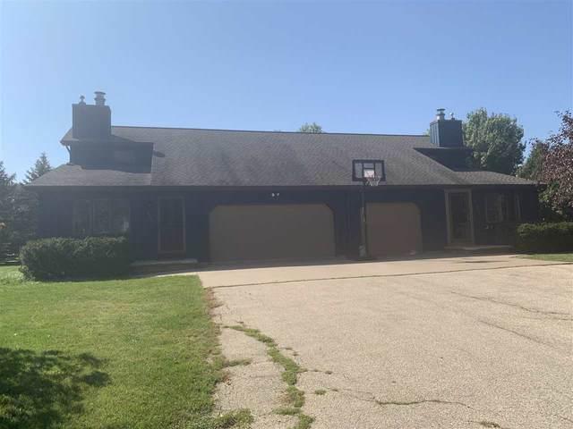 930 Meadowview Drive, Menasha, WI 54952 (#50230050) :: Carolyn Stark Real Estate Team