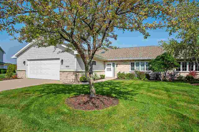 1625 Twin Lakes Circle, Green Bay, WI 54311 (#50230053) :: Ben Bartolazzi Real Estate Inc