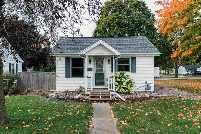 1223 9TH Street, Green Bay, WI 54304 (#50230094) :: Carolyn Stark Real Estate Team