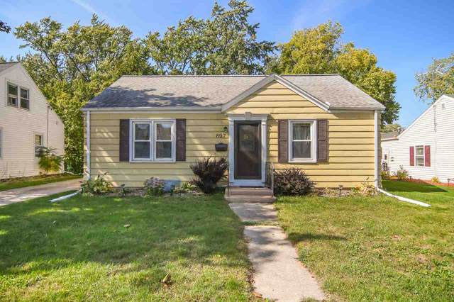 807 Wilson Avenue, Green Bay, WI 54303 (#50230098) :: Carolyn Stark Real Estate Team