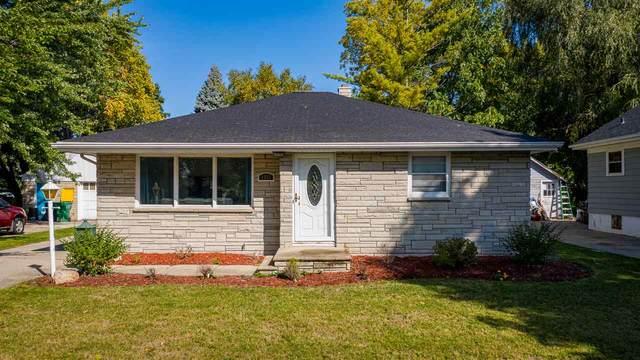 1551 Elm Street, Green Bay, WI 54302 (#50230101) :: Carolyn Stark Real Estate Team