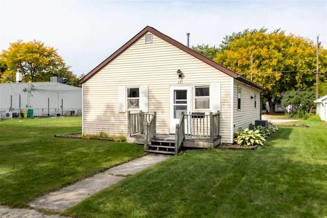 321 N Maple Avenue, Green Bay, WI 54303 (#50230119) :: Carolyn Stark Real Estate Team