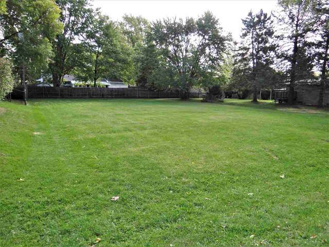 Woodfield Road, Neenah, WI 54956 (#50230156) :: Dallaire Realty