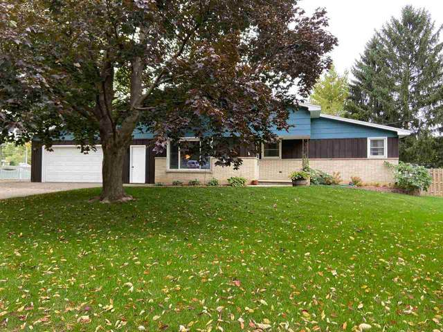 1584 View Lane, Green Bay, WI 54313 (#50230207) :: Ben Bartolazzi Real Estate Inc
