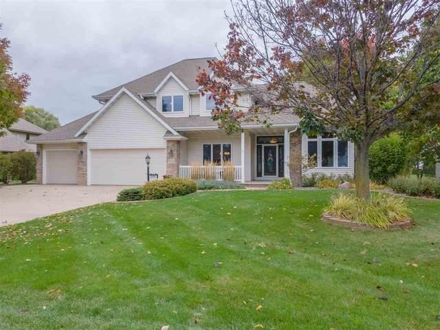 W2494 Clover Downs Court, Appleton, WI 54915 (#50230222) :: Carolyn Stark Real Estate Team