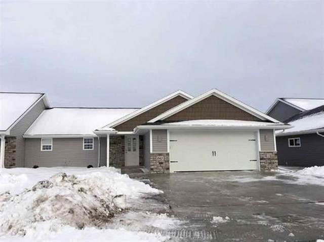 843 Sharon Lane, Pulaski, WI 54162 (#50230316) :: Ben Bartolazzi Real Estate Inc