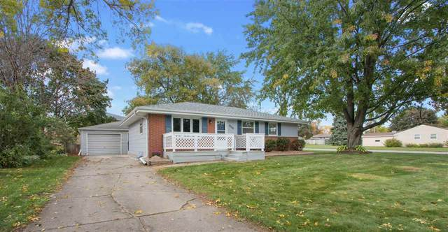2230 Marlee Lane, Green Bay, WI 54304 (#50230323) :: Ben Bartolazzi Real Estate Inc