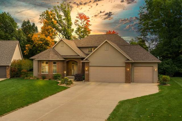 109 Parkway Drive, Combined Locks, WI 54113 (#50230396) :: Symes Realty, LLC