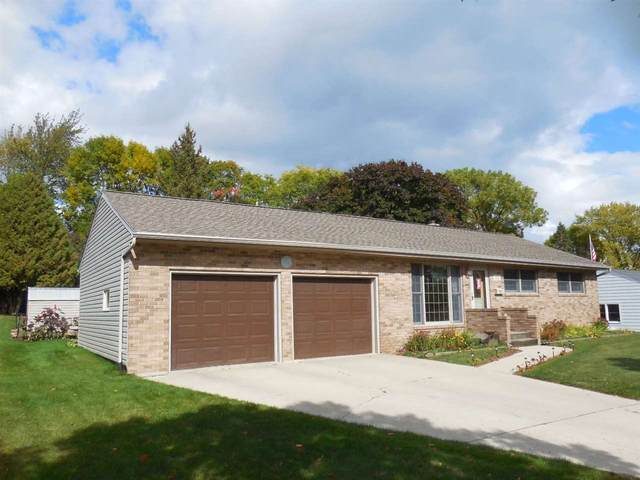 705 Lincoln Street, Kewaunee, WI 54216 (#50230467) :: Todd Wiese Homeselling System, Inc.