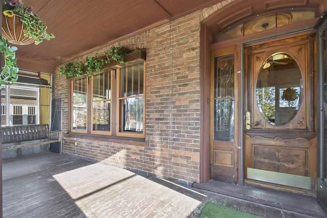 974 Dousman Street, Green Bay, WI 54303 (#50230582) :: Ben Bartolazzi Real Estate Inc