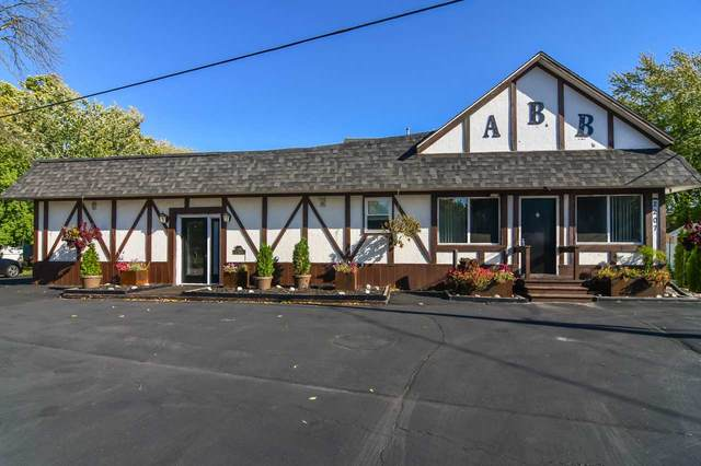 2205 S Broadway Street, Green Bay, WI 54304 (#50230588) :: Symes Realty, LLC