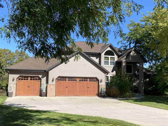 W4425 Overland Trail, Fond Du Lac, WI 54937 (#50230604) :: Town & Country Real Estate