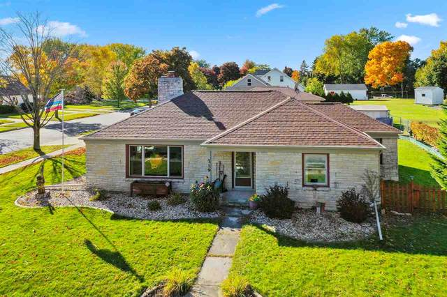 719 2ND Street, Kewaunee, WI 54216 (#50230638) :: Ben Bartolazzi Real Estate Inc