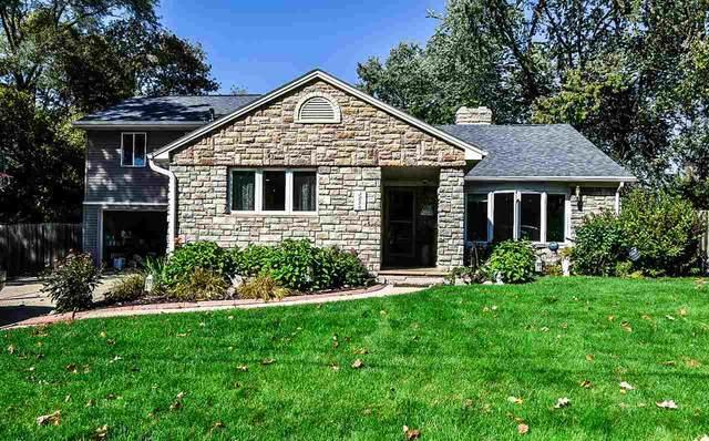 3256 Waubenoor Drive, Green Bay, WI 54301 (#50230699) :: Todd Wiese Homeselling System, Inc.