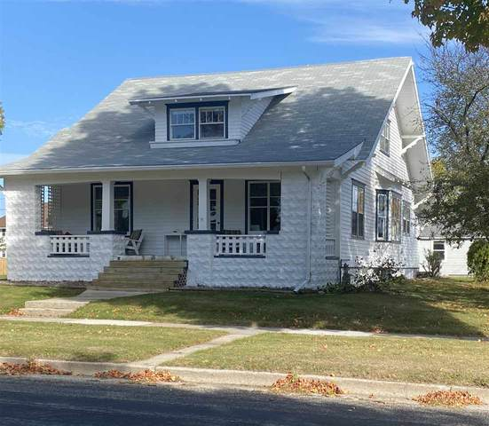 719 Center Street, Kewaunee, WI 54162 (#50230705) :: Dallaire Realty