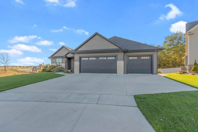1335 Lear Lane, De Pere, WI 54115 (#50230751) :: Todd Wiese Homeselling System, Inc.