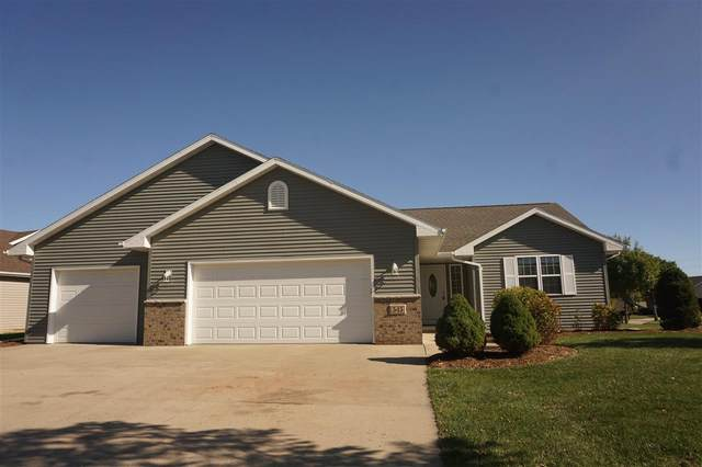 545 Berghuis Drive, Combined Locks, WI 54113 (#50230752) :: Symes Realty, LLC