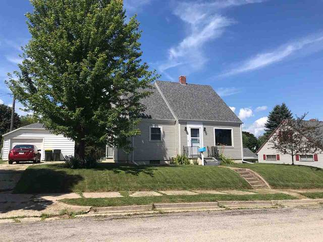 329 2ND Street, Kewaunee, WI 54216 (#50230753) :: Dallaire Realty