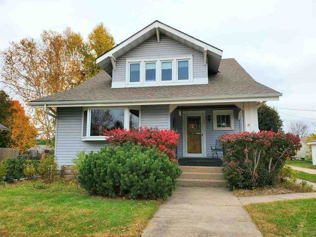 208 E Alfred Street, Weyauwega, WI 54983 (#50230792) :: Town & Country Real Estate