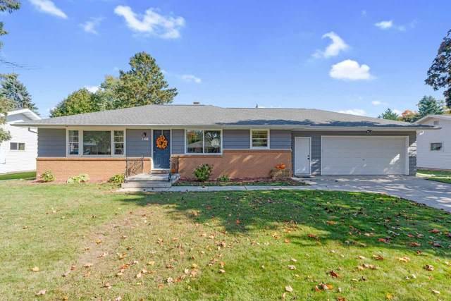 1304 2ND Street, Kewaunee, WI 54216 (#50230795) :: Ben Bartolazzi Real Estate Inc