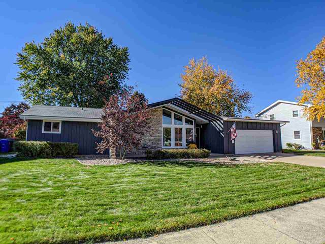 2601 N Fairfield Court, Appleton, WI 54911 (#50230855) :: Todd Wiese Homeselling System, Inc.