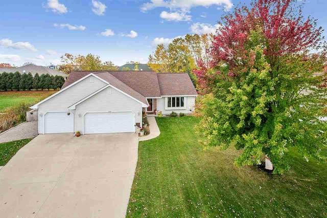 1354 Willow Bend Lane, Oshkosh, WI 54904 (#50230968) :: Todd Wiese Homeselling System, Inc.