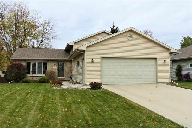 981 Bluehill Avenue, Fond Du Lac, WI 54935 (#50231064) :: Todd Wiese Homeselling System, Inc.
