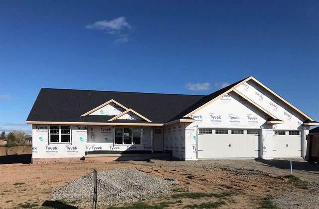 1270 Mountain Bay Drive, Pulaski, WI 54162 (#50231110) :: Ben Bartolazzi Real Estate Inc