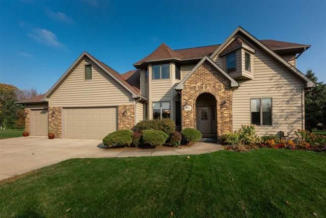 940 Wylde Oak Drive, Oshkosh, WI 54904 (#50231137) :: Todd Wiese Homeselling System, Inc.