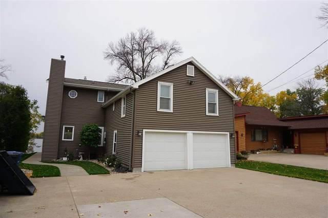 1170 Pages Point Drive, Menasha, WI 54952 (#50231169) :: Todd Wiese Homeselling System, Inc.