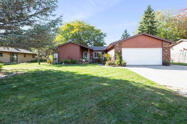 1085 Hughes Court, Neenah, WI 54956 (#50231213) :: Ben Bartolazzi Real Estate Inc