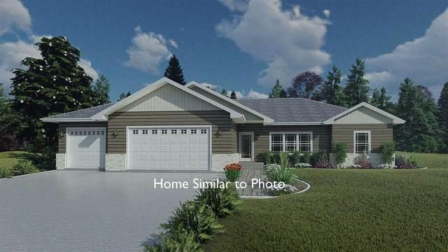 613 Johnson Street, Pulaski, WI 54162 (#50231308) :: Dallaire Realty