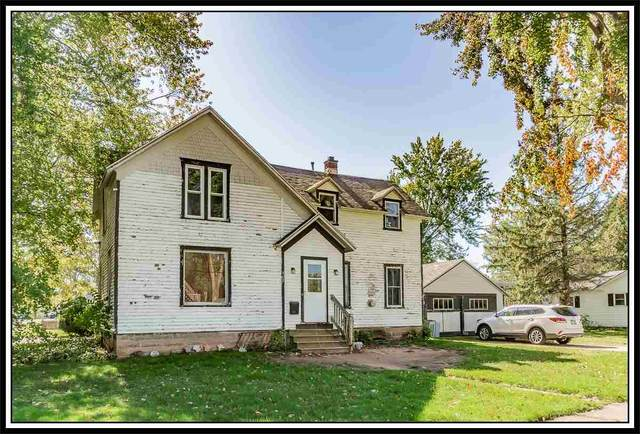 902 Shiocton Street, New London, WI 54961 (#50231309) :: Dallaire Realty