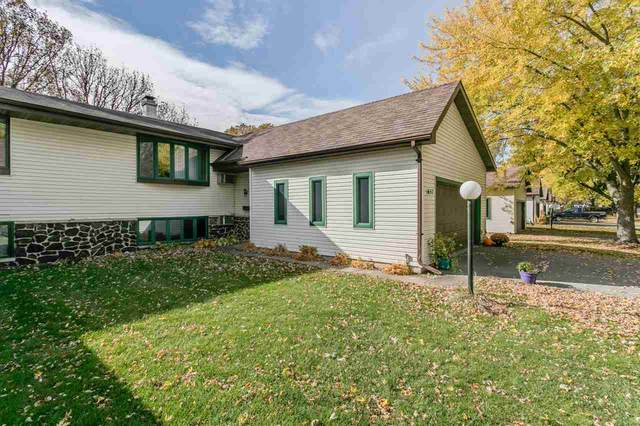 1657 Tonya Trail, Neenah, WI 54956 (#50231335) :: Ben Bartolazzi Real Estate Inc