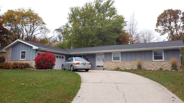 2100 Hickory Lane, New Holstein, WI 53061 (#50231374) :: Todd Wiese Homeselling System, Inc.