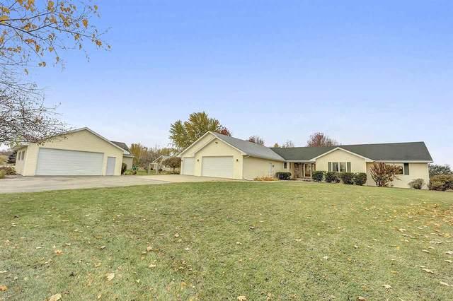 N8553 Woodland Drive, Seymour, WI 54165 (#50231386) :: Ben Bartolazzi Real Estate Inc