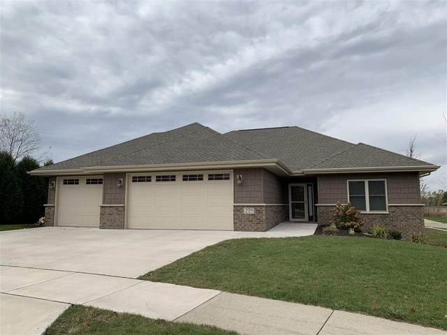 221 Newton Le Court, Kaukauna, WI 54130 (#50231410) :: Todd Wiese Homeselling System, Inc.