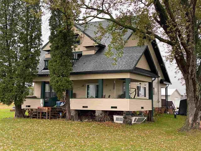 N8109 Bell Corners Road, Bear Creek, WI 54922 (#50231432) :: Todd Wiese Homeselling System, Inc.