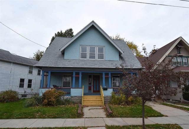 521 Central Street, Oshkosh, WI 54901 (#50231525) :: Todd Wiese Homeselling System, Inc.