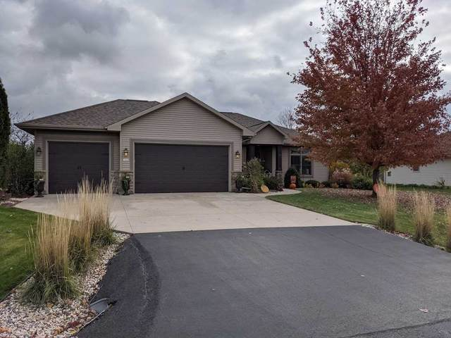 1448 Olde Apple Lane, Oshkosh, WI 54904 (#50231533) :: Carolyn Stark Real Estate Team