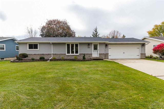 2404 Van Beek Road, Green Bay, WI 54311 (#50231537) :: Ben Bartolazzi Real Estate Inc