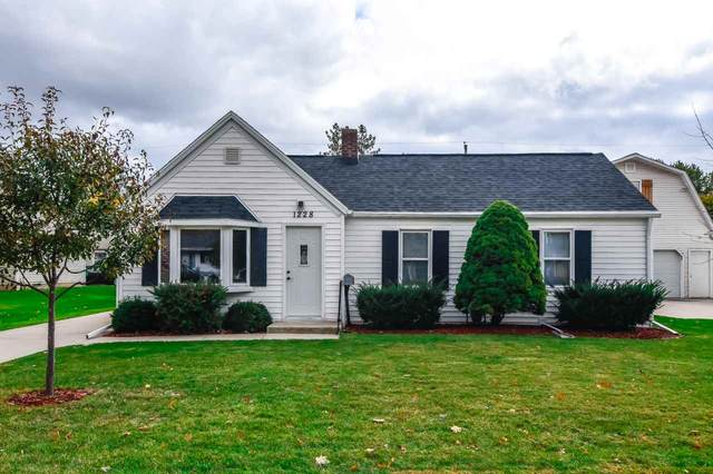 1228 N Platten Street, Green Bay, WI 54303 (#50231540) :: Ben Bartolazzi Real Estate Inc