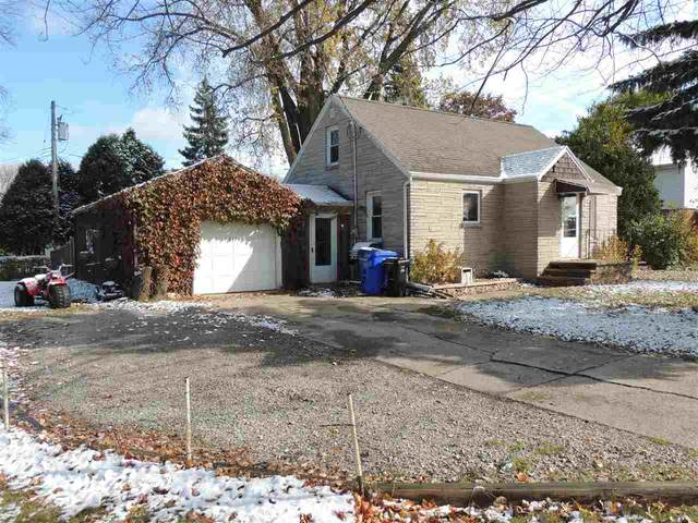 2312 E John Street, Appleton, WI 54915 (#50231550) :: Ben Bartolazzi Real Estate Inc