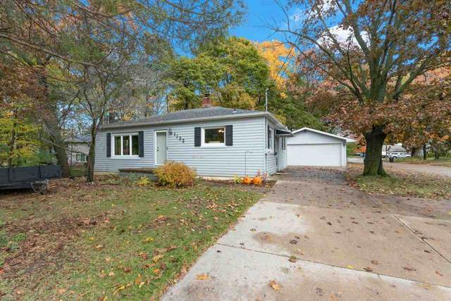 1132 S Carpenter Street, Appleton, WI 54915 (#50231555) :: Ben Bartolazzi Real Estate Inc