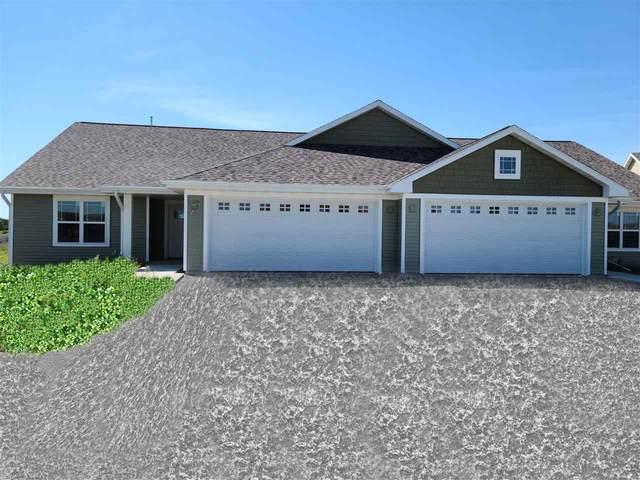 3286 Elk Ridge Drive, Oshkosh, WI 54904 (#50231676) :: Todd Wiese Homeselling System, Inc.
