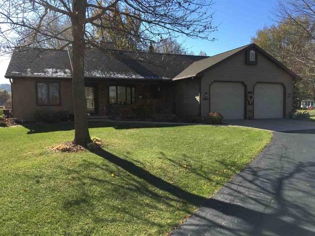 N7829 S Niagara Court, Sherwood, WI 54169 (#50231717) :: Todd Wiese Homeselling System, Inc.