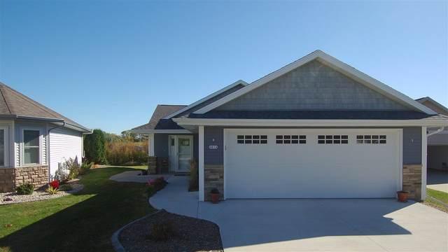 4014 Hemlock Court, Oshkosh, WI 54904 (#50231723) :: Todd Wiese Homeselling System, Inc.